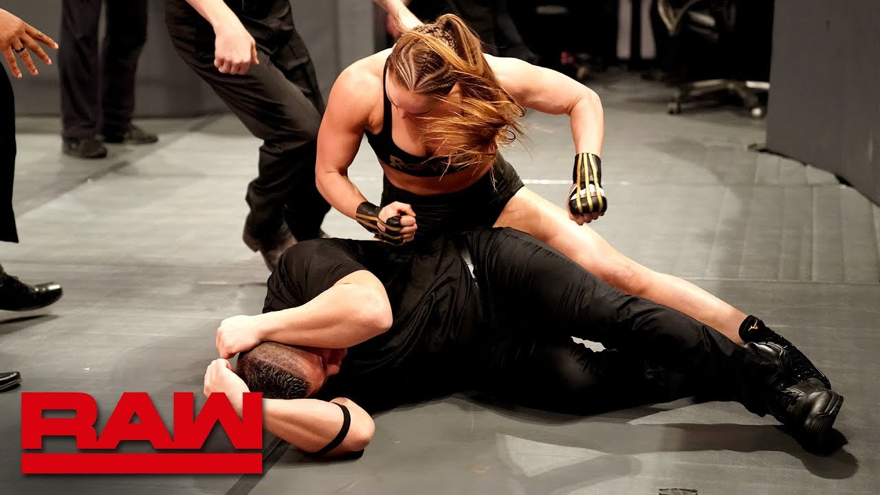 Photo of Ronda Rousey goes berserk on security guards: Raw, March 18, 2019