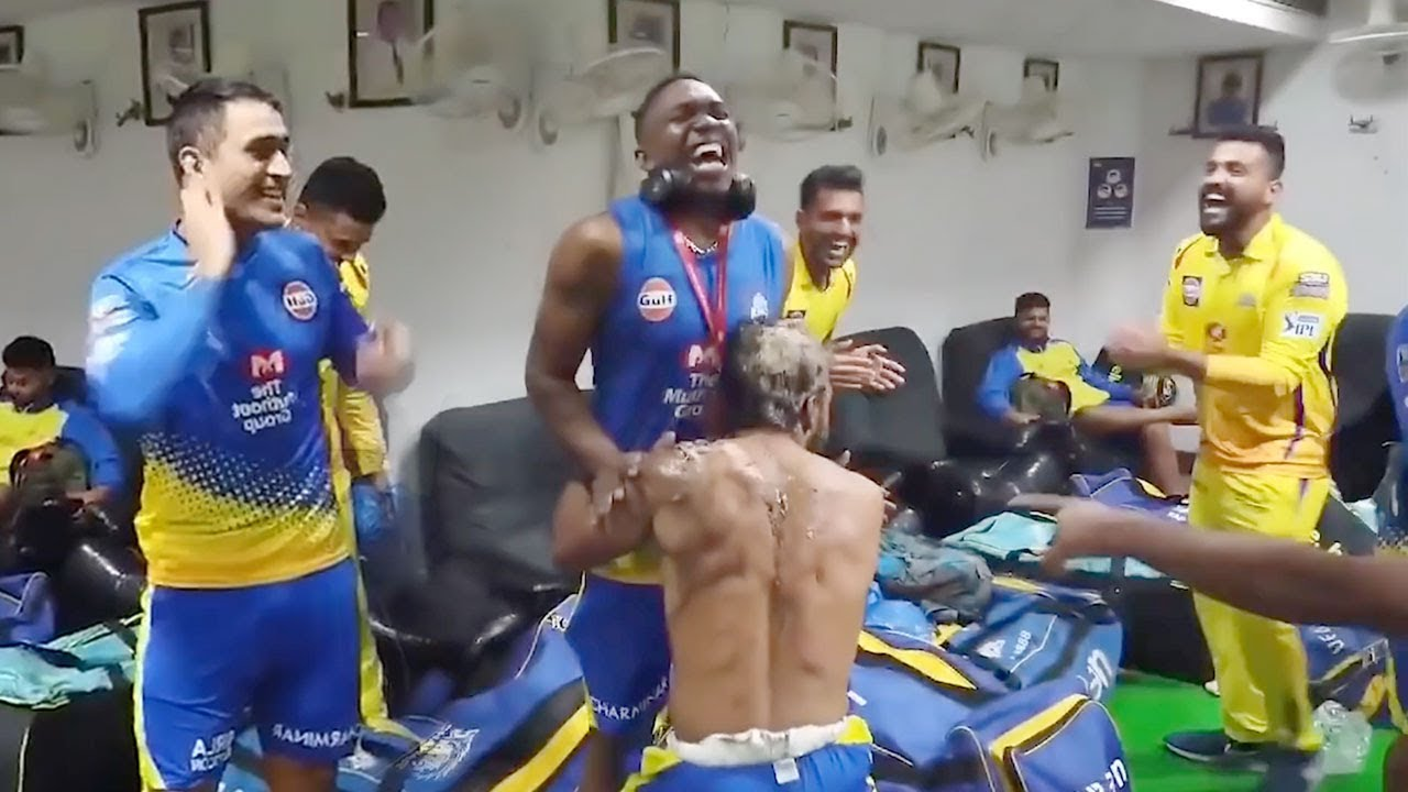 Photo of Watch MS Dhoni & CSK Team Celebrating €ntry Into IPL Finals In Dressing Room with Dj Bravo,Harbhajan