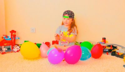 David plays with Balloons ! Fun playtime with children ! Сollection of children's videos