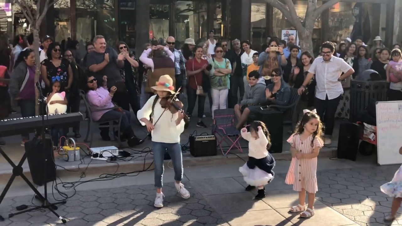 Photo of Lambada 💃2019🌴 – Karolina Protsenko – Violin – Street Performance – Kaoma