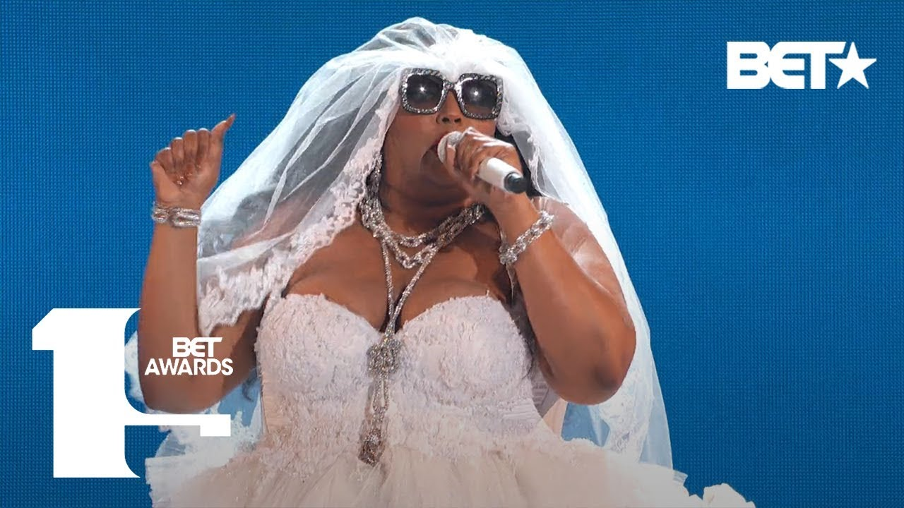 "Photo of Lizzo Proves She's 100% That B***h In ""Truth Hurts"" Performance! 
