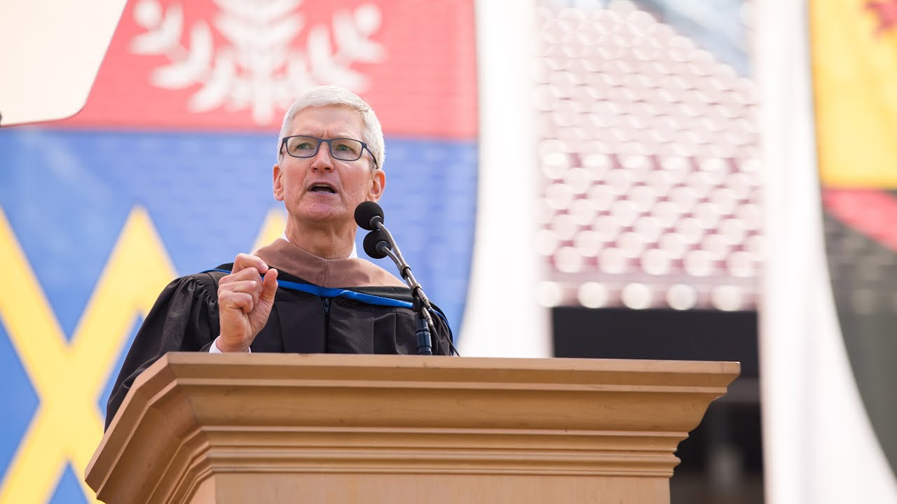 Photo of 2019 Stanford Commencement address by Tim Cook
