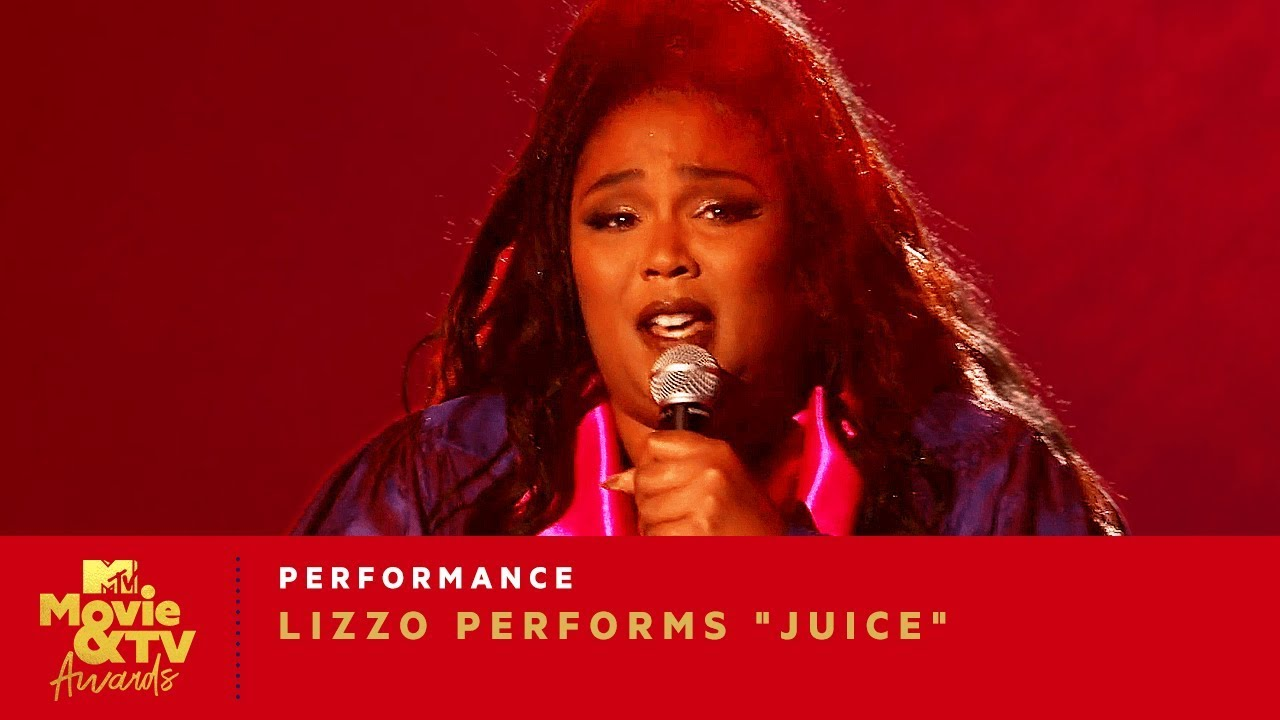 "Photo of Lizzo Performs ""Juice"" 